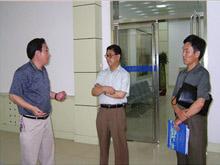 2005年7月,济南市政协副主席王可敏莅临集团调研