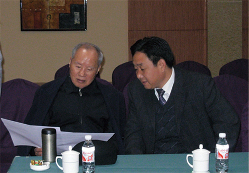 2007年11月16日,济南军区原政委宋清渭了解集团发展情况